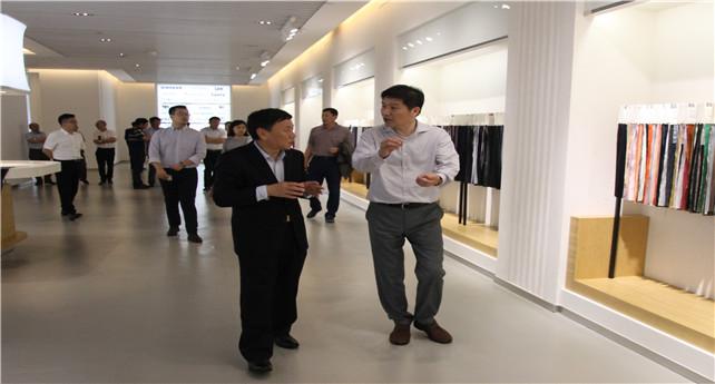 中泰党委书记、董事长王洪欣一行到集团考察交流.jpg